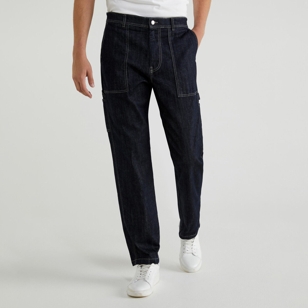 Jeans with side pockets