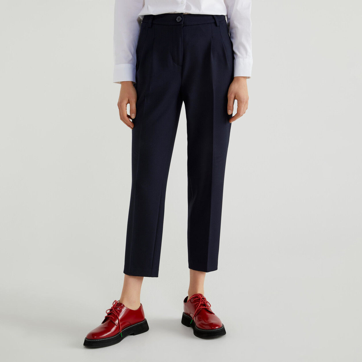 Trousers in fresh wool