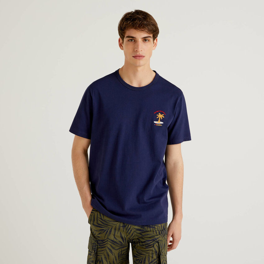 Camiseta de 100% algodón con bordado