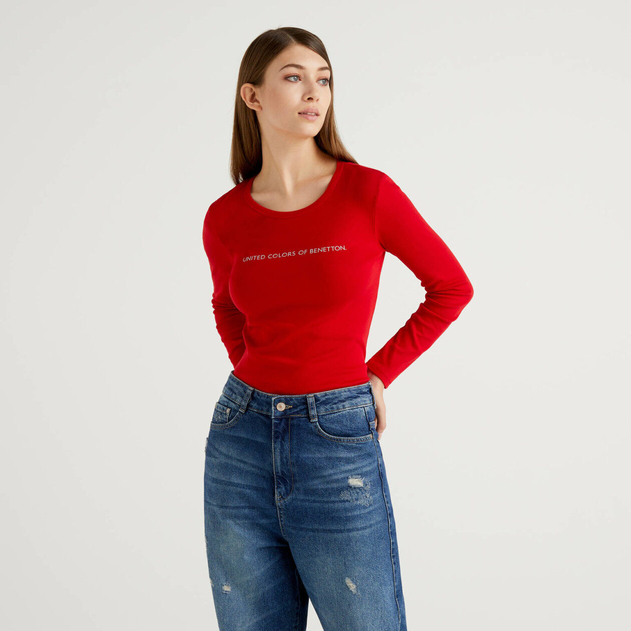Long sleeve red t-shirt in 100% cotton
