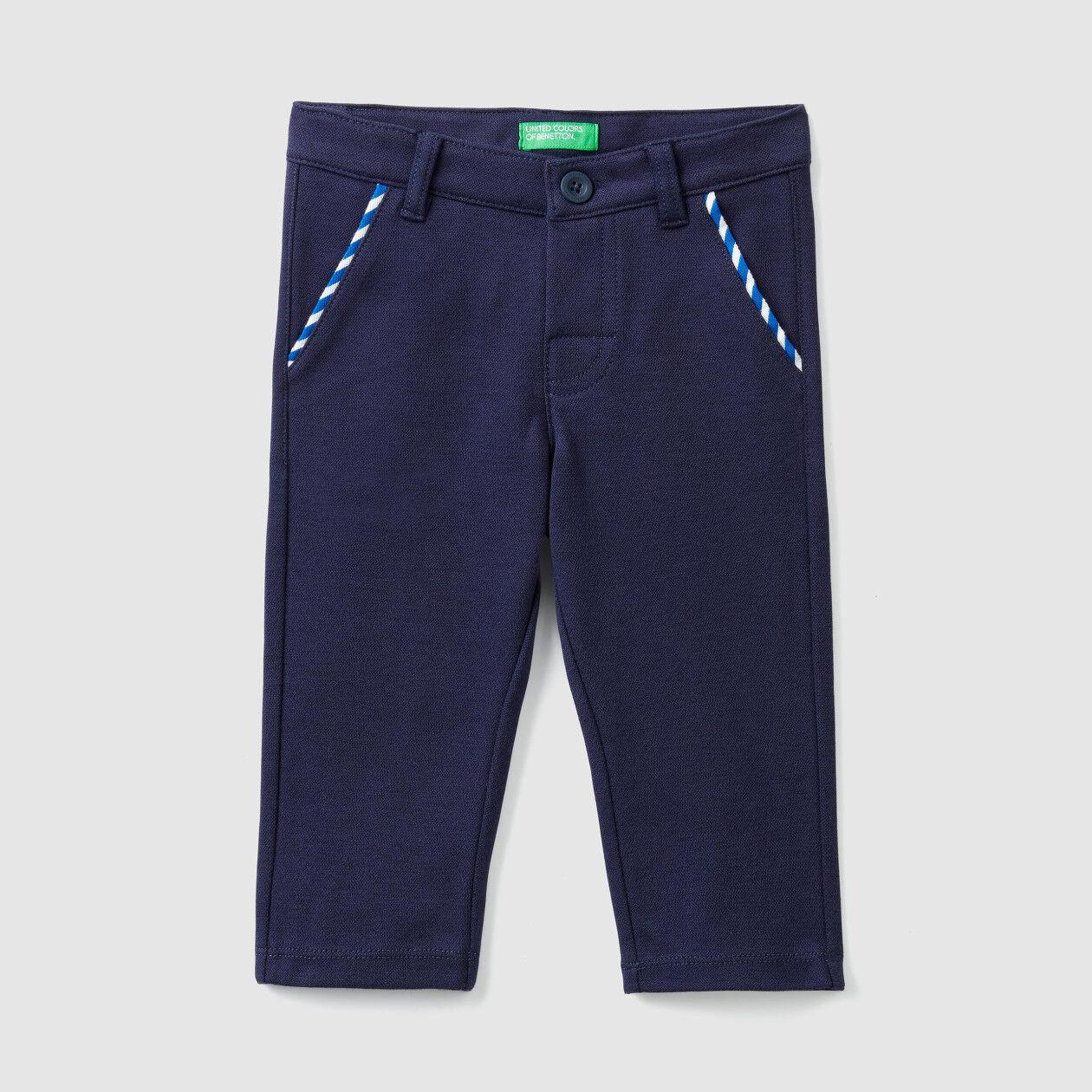 Pantalones de piqué elásticos