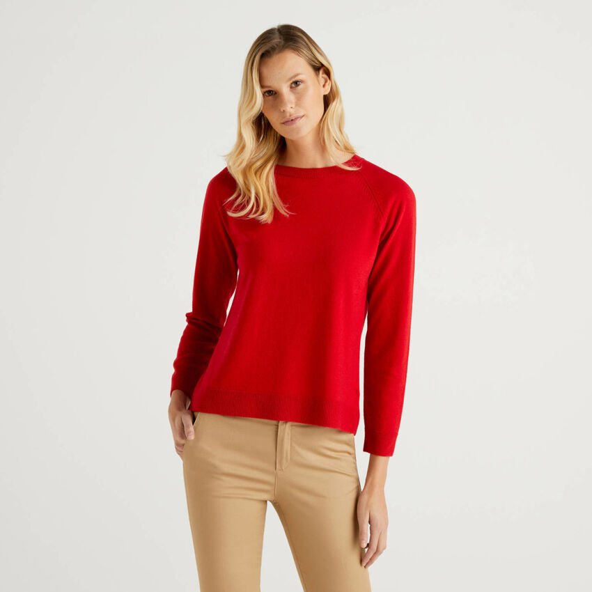 Jersey de cuello redondo rojo en mezcla de lana y cachemir