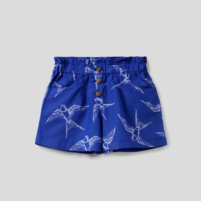 Pantalón corto estampado de algodón y lino