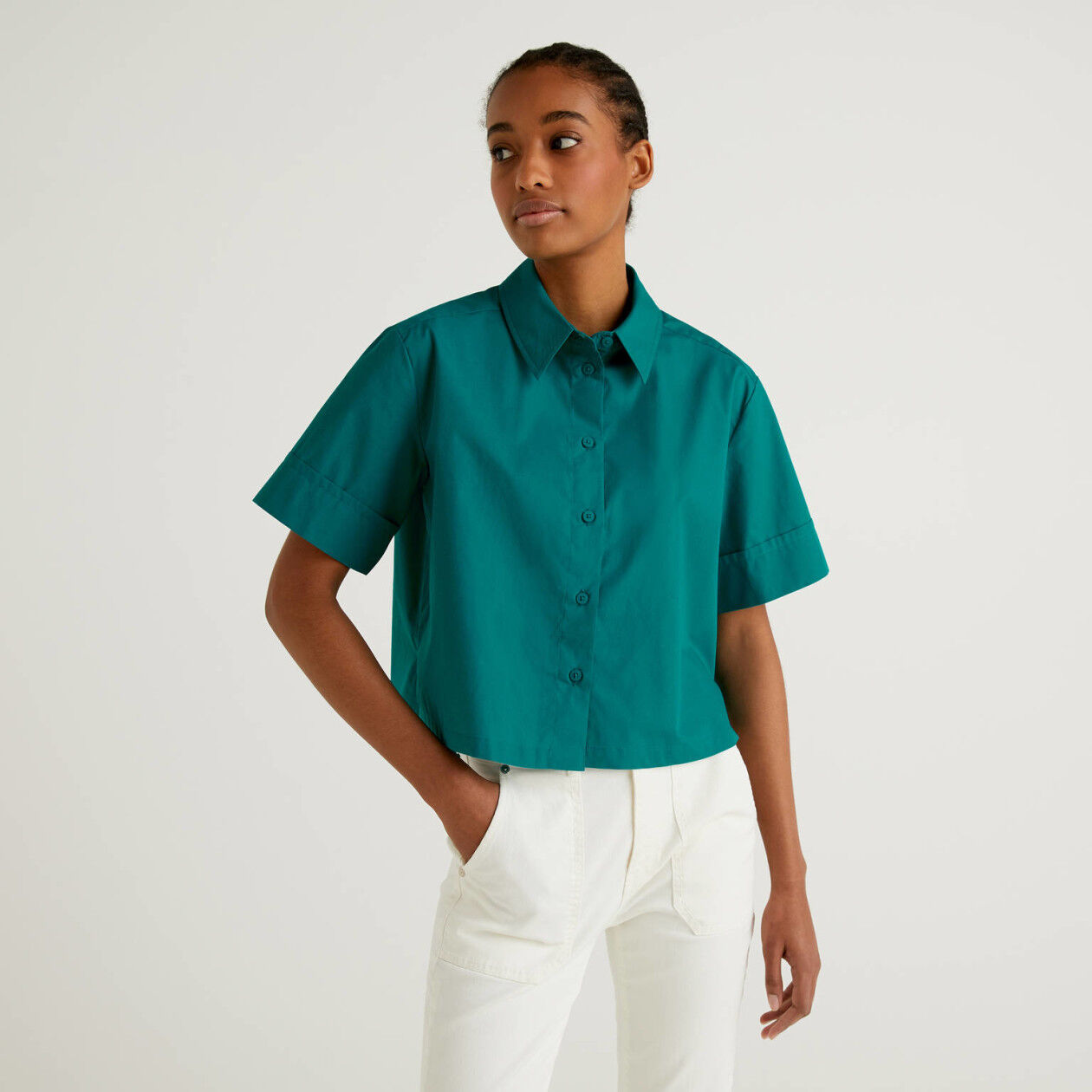 Boxy shirt in 100% cotton
