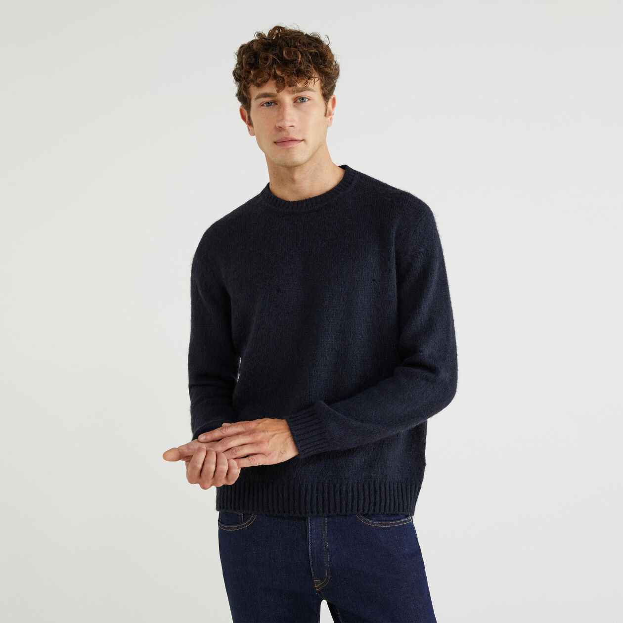 Crew neck sweater in wool blend