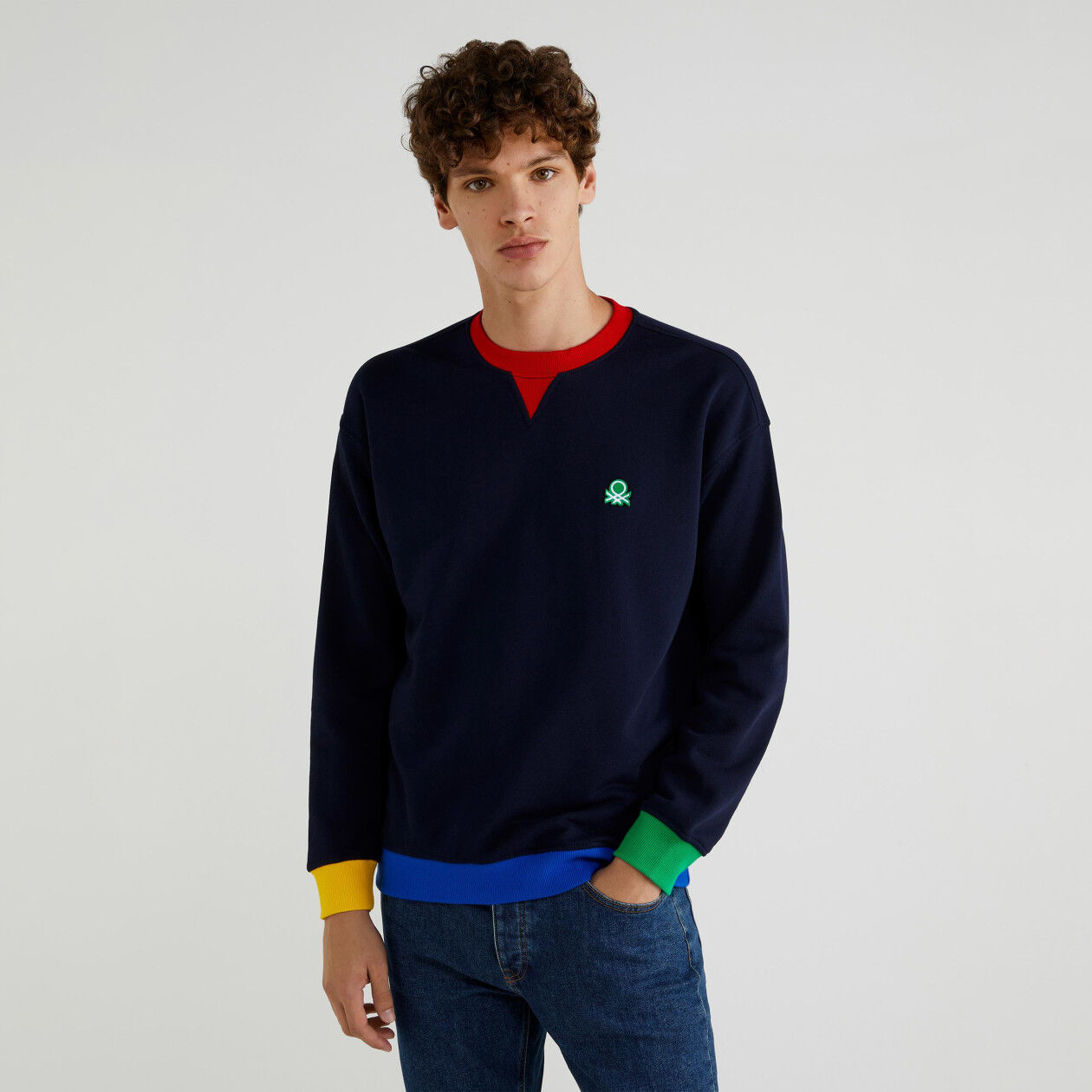 Sweatshirt with clashing detail