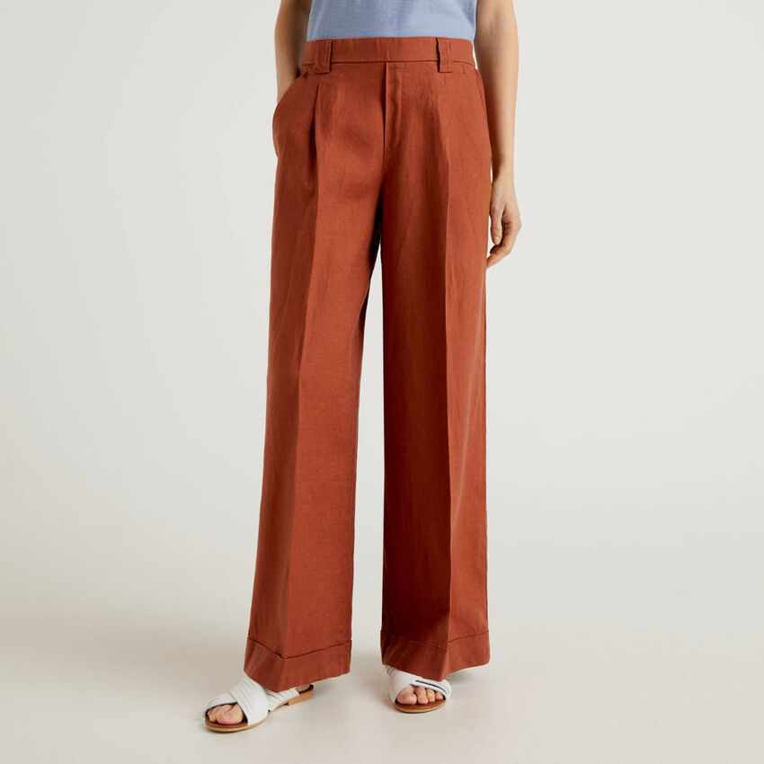Wide leg trousers in 100% linen