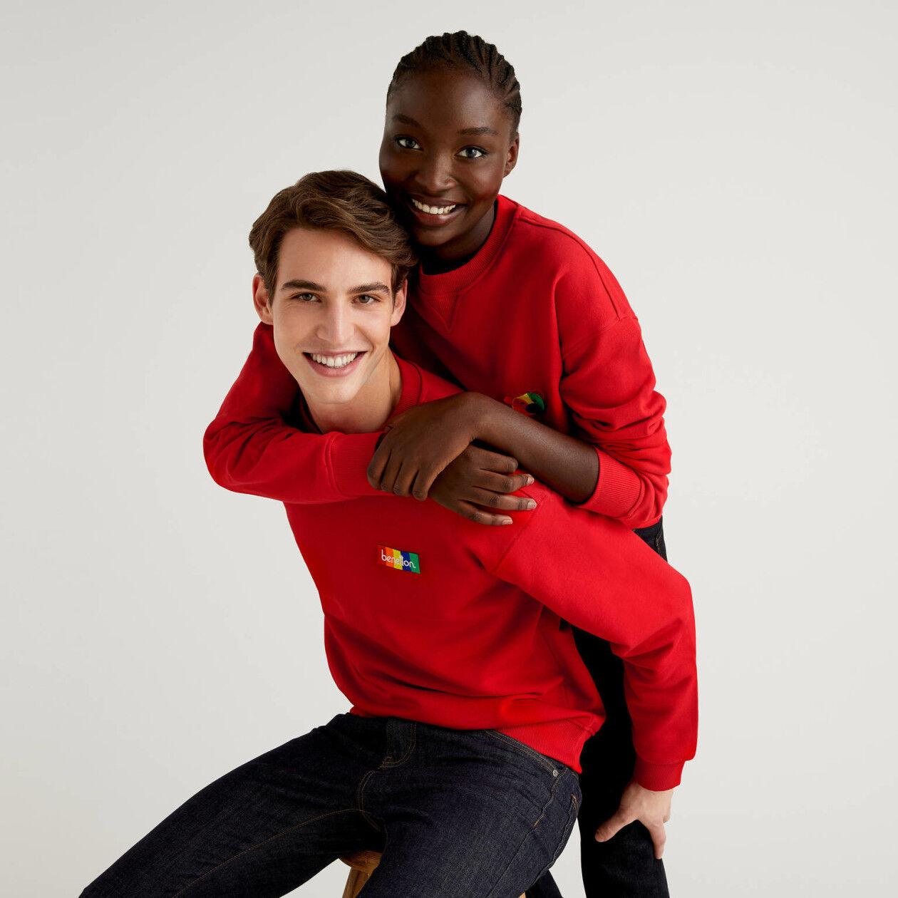 Customizable red unisex sweatshirt