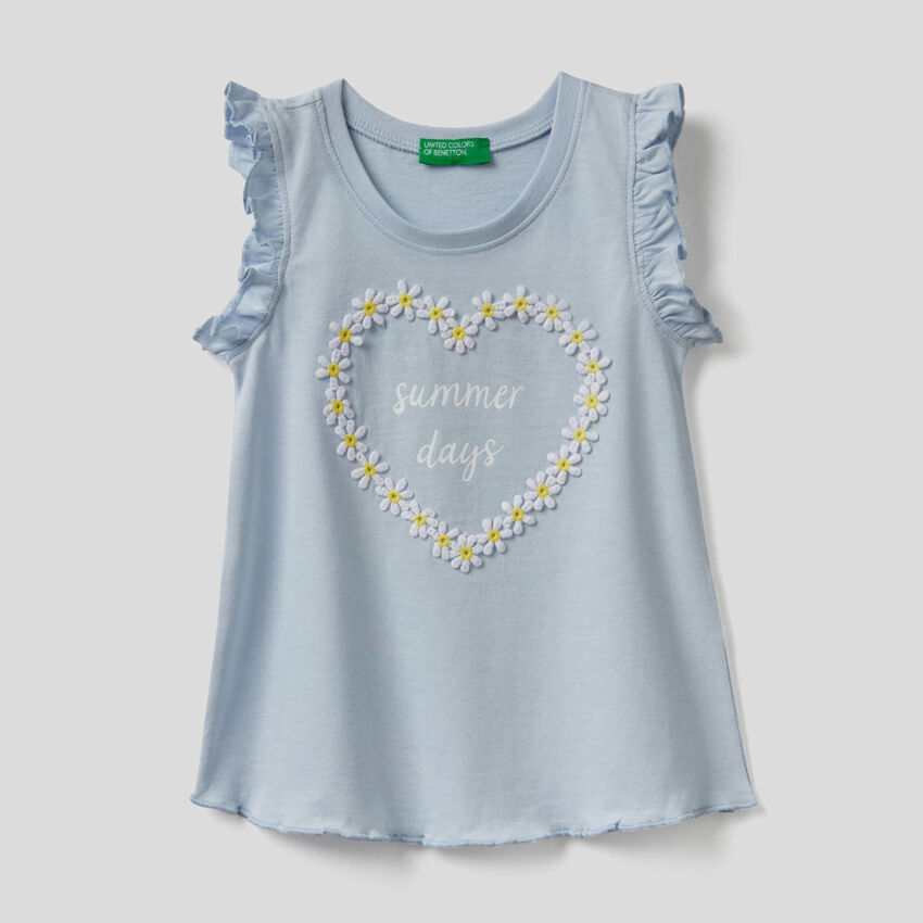 Tank top with daisy applique