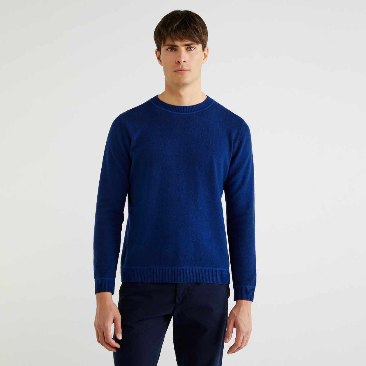 Crew neck wool sweater