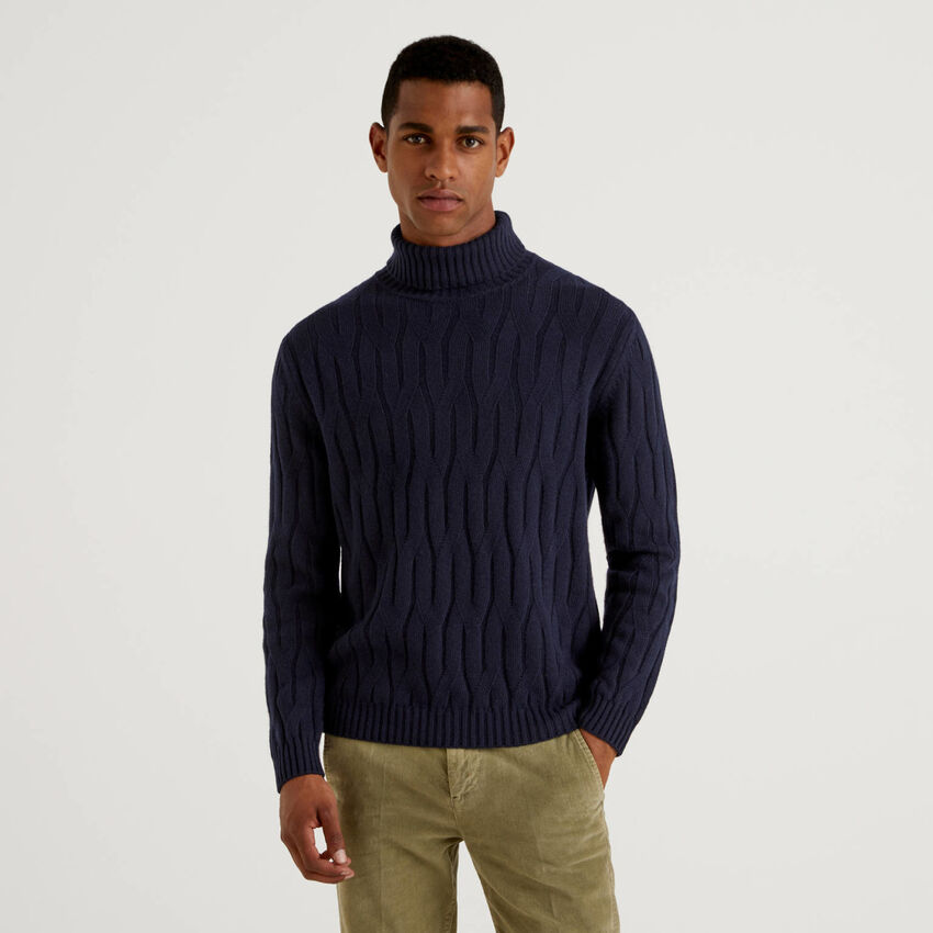 Knit sweater in cashmere and wool blend