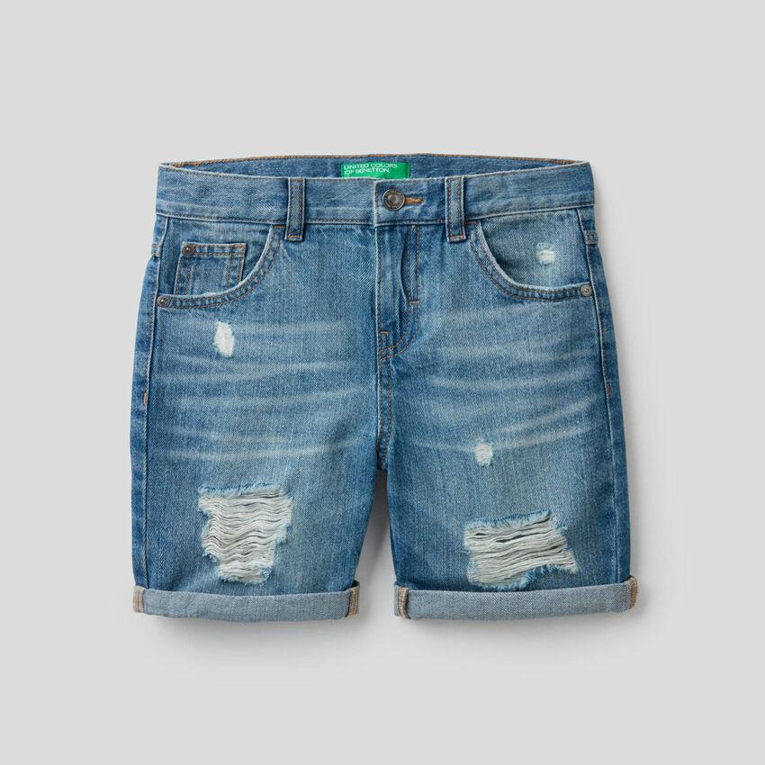 Worn look bermuda jeans