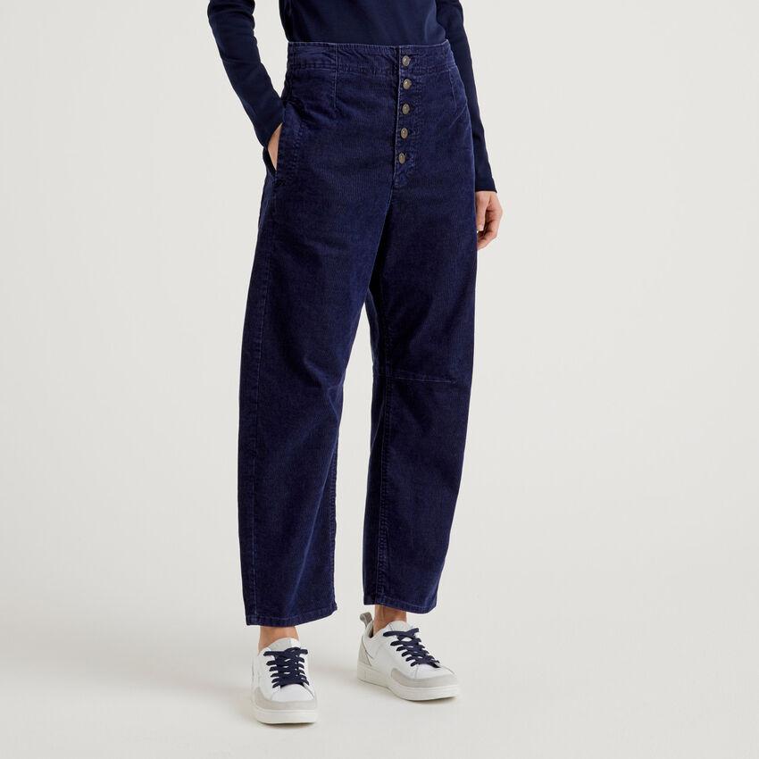 Slouchy trousers in ribbed velvet