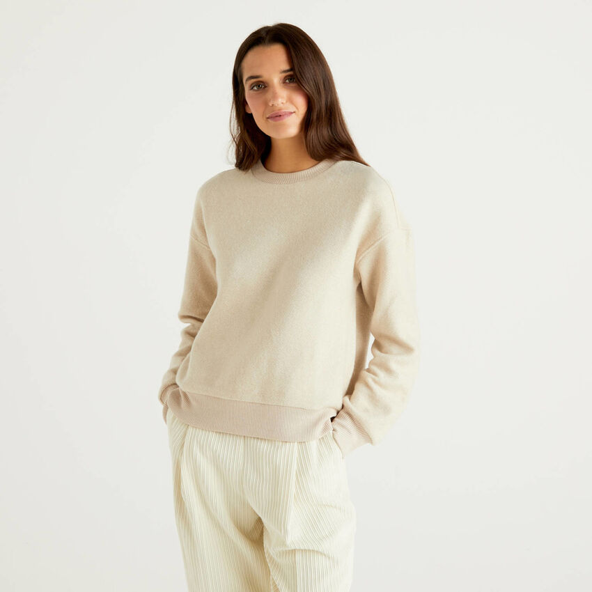 Sweatshirt with playful textures