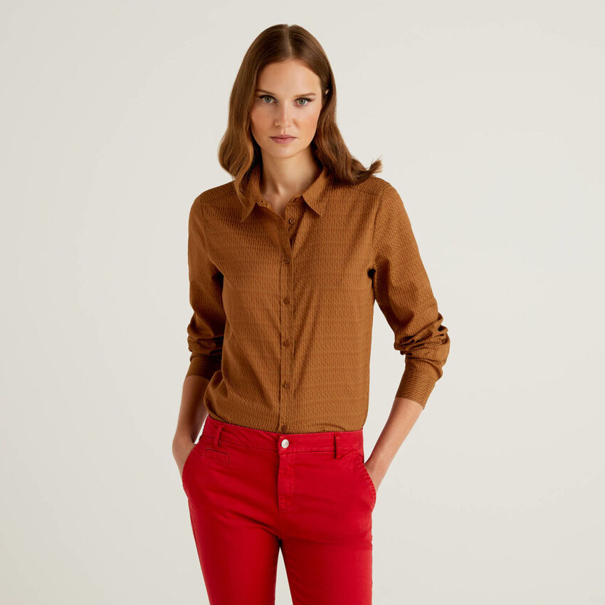Brown patterned shirt in 100% cotton