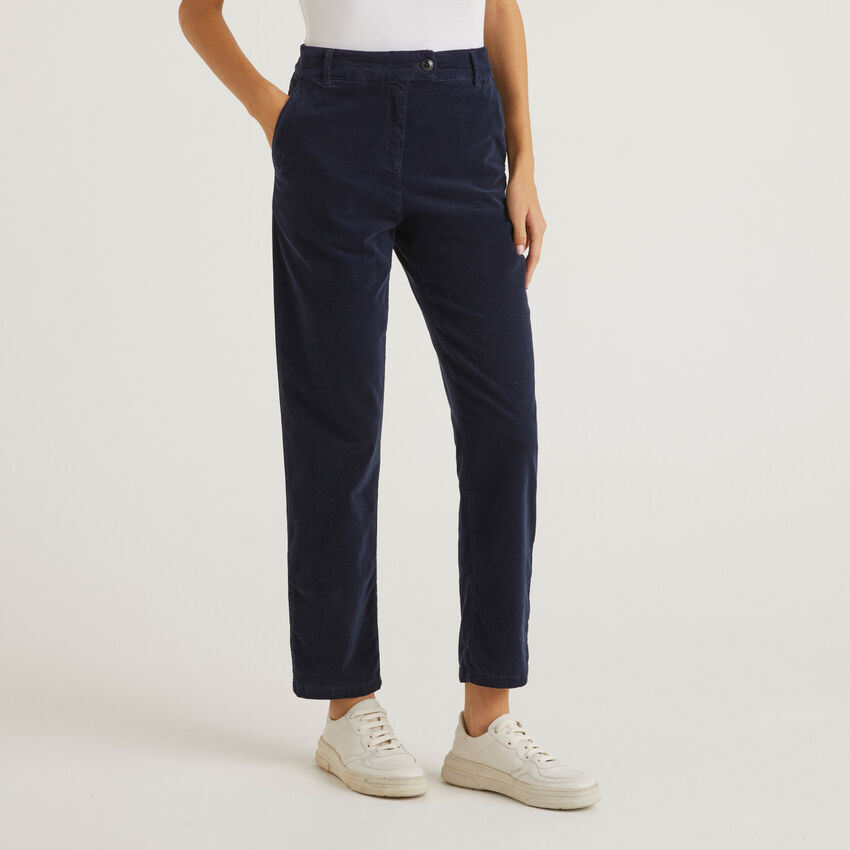 Chino trousers in ribbed velvet