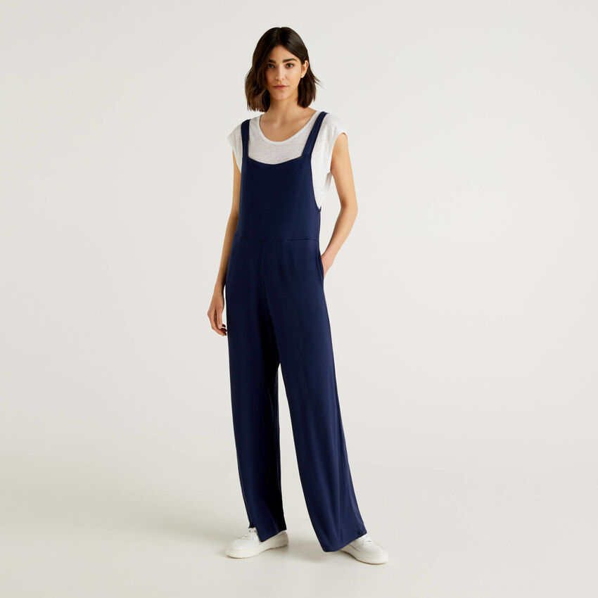 One-piece jumpsuit with straps
