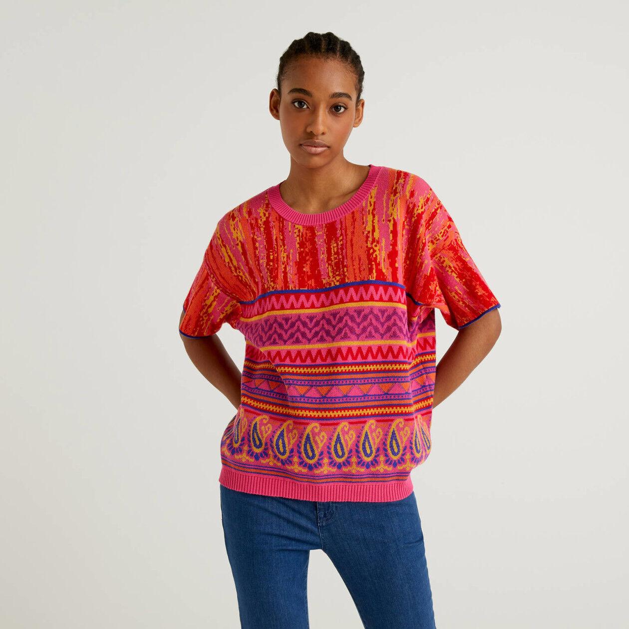 Sweater with multicolor design