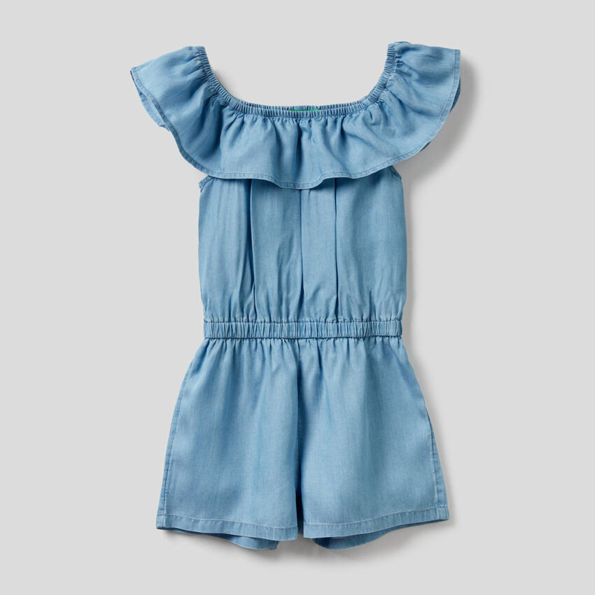 Short jumpsuit with frill