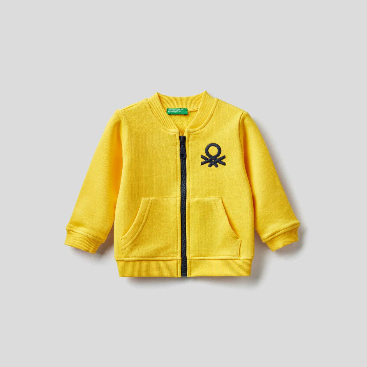 100% cotton sweatshirt with zipper